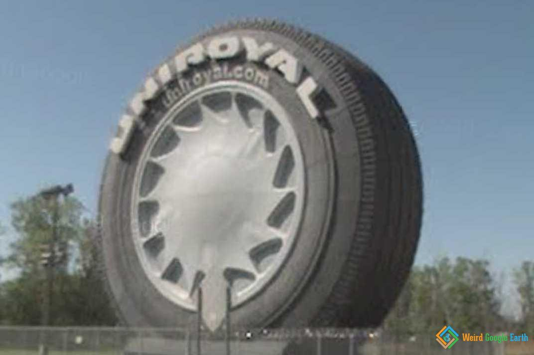 Giant Uniroyal Tire, Allen Park, Mnnesota, USA