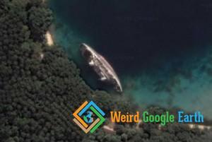 World Discoverer Shipwreck, Solomon Islands