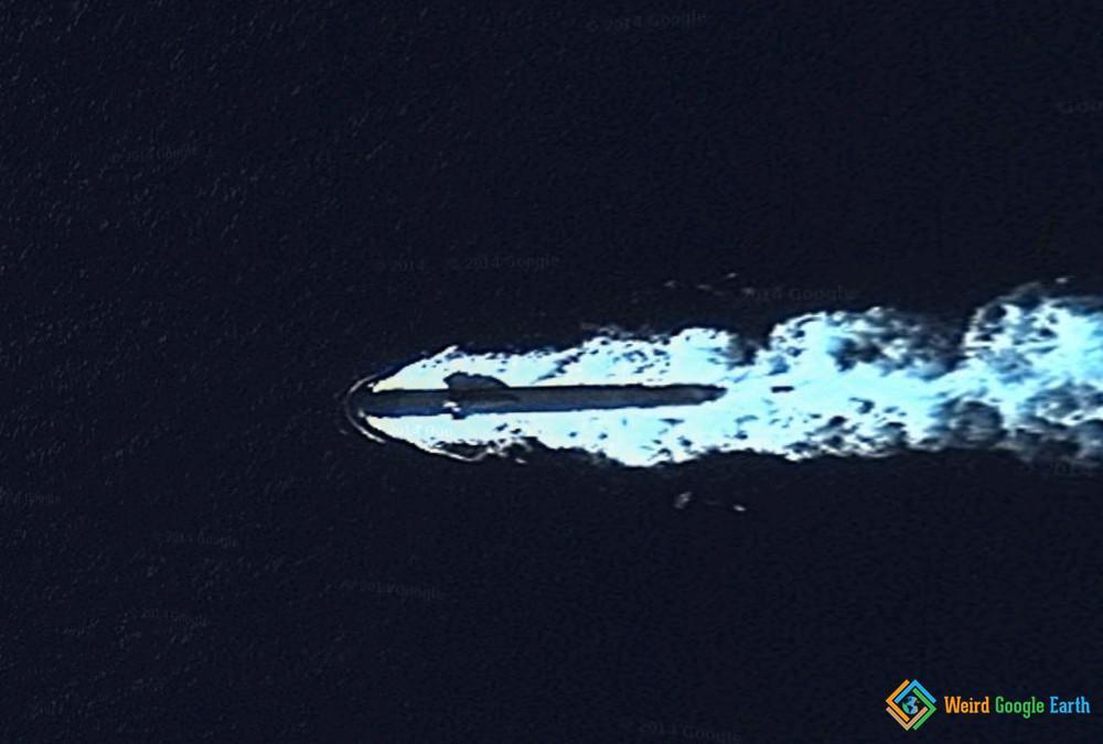 688 Class Submarine Transiting on the Surface, Apra Harbor, Guam, USA