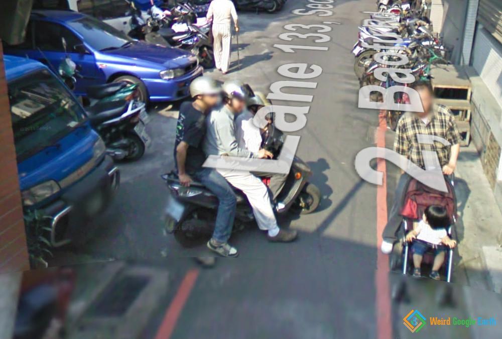 Three Seater Scooter, Taipei, New Taipei City, Taiwan